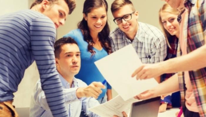 Miles de jóvenes podrán hacer sus prácticas en empresas del Estado