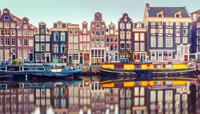 Destino Ámsterdam: becas de 12.500 euros para hacer un máster en 'la Venecia del Norte'