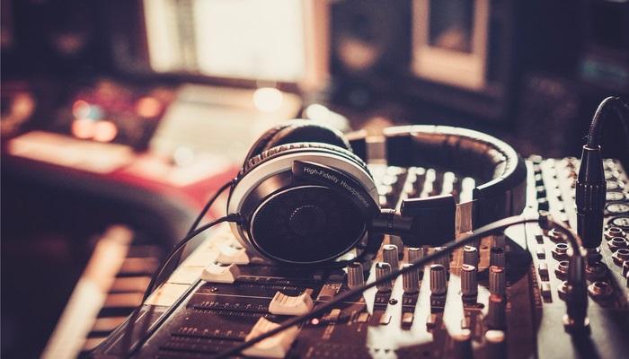 Radio Francia Internacional ofrece pasantía en París a través de concur