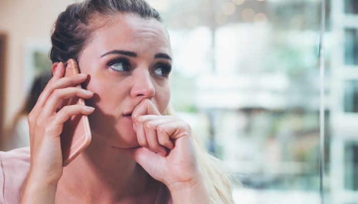 Aprende qué necesitas para hablar por teléfono en inglés