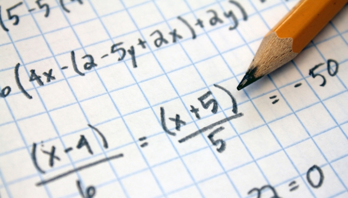 Ayudar a un niño a resolver problemas no siempre favorece su aprendizaje