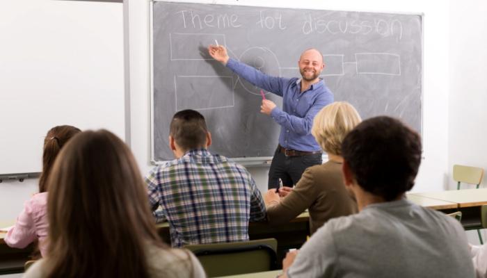 El gobierno convoca cursos formativos de verano para profesores