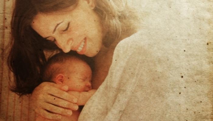 Estudiar y ser madre: becas para lograrlo