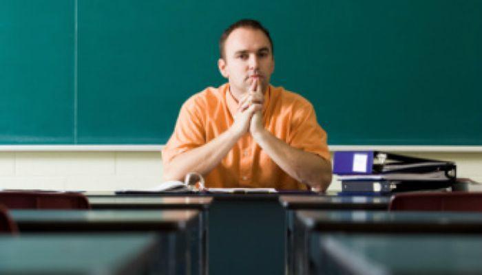 La diferencia salarial entre profesores de diferentes Comunidades supera los 600 euros