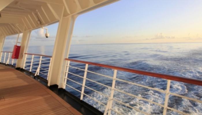 250 plazas para trabajar a bordo de cruceros