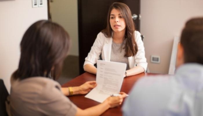 10 preguntas frecuentes en una entrevista de trabajo. Conoce qué es lo que quieren saber de ti