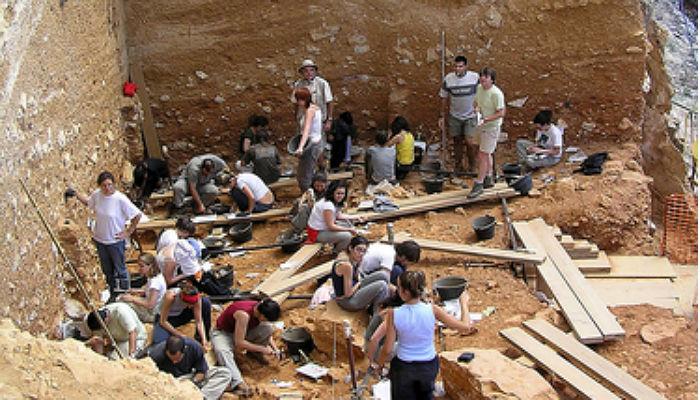 De Atapuerca a Italia: campañas de excavación arqueológicas para el verano de 2016