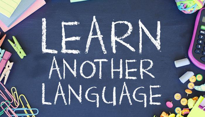 Clases presenciales y en el extranjero: así quieren los jóvenes aprender idiomas