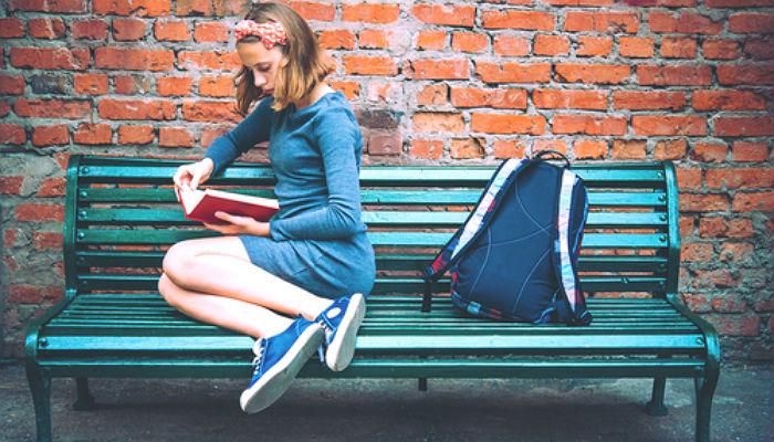 Síndrome de Peter Pan, booktubers y sagas de éxito marcan la literatura joven en España