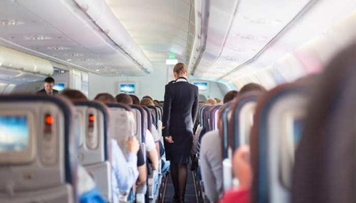 Azafata de vuelo: si siempre lo has soñado, es el momento de despegar