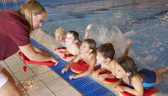 Monitores de natación, ocio y tiempo libre: cursos gratuitos y low cost este verano
