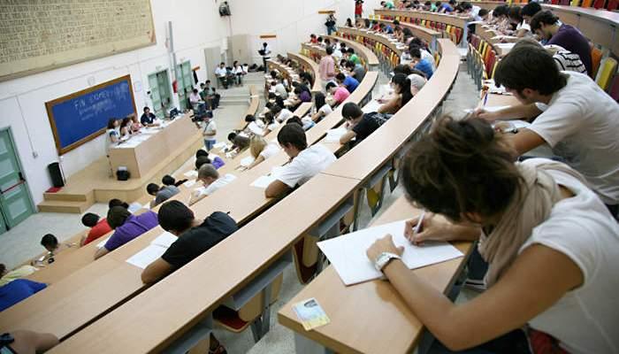 El precio de un Máster habilitante será similar al de Grado según el Ministerio de Universidades