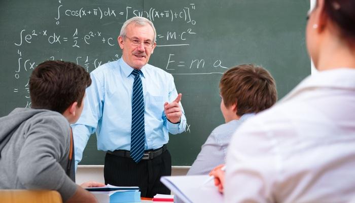 Proponen que se pueda opositar a profesor técnico de FP sin título universitario hasta 2023