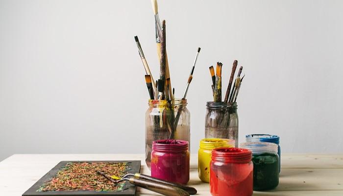 Aprende técnicas manuales artesanales con los cursos de Aula Taller