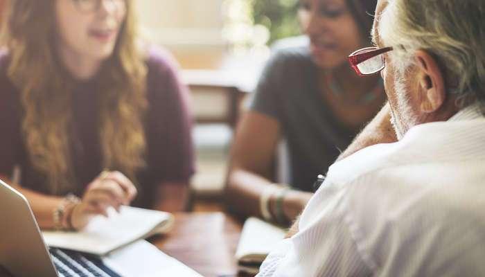 Cursos para desempleados: formación para el empleo con becas y ayudas