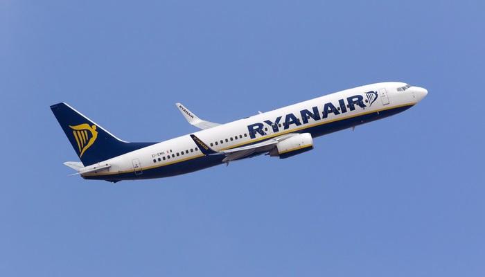 Ryanair contratará a 140 personas para su hangar en Sevilla