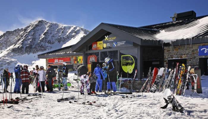 Trabajo en estaciones de esquí: más de 1.000 vacantes para apasionados por la montaña