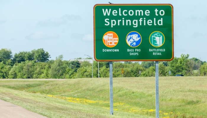 Welcome to Springfield: 169 becas para estudiar en la universidad