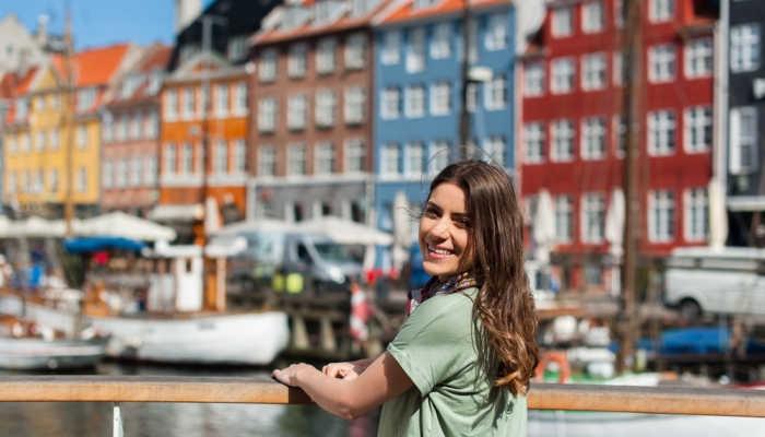Becas a Dinamarca: aprende danés y descubre el país más feliz del mundo
