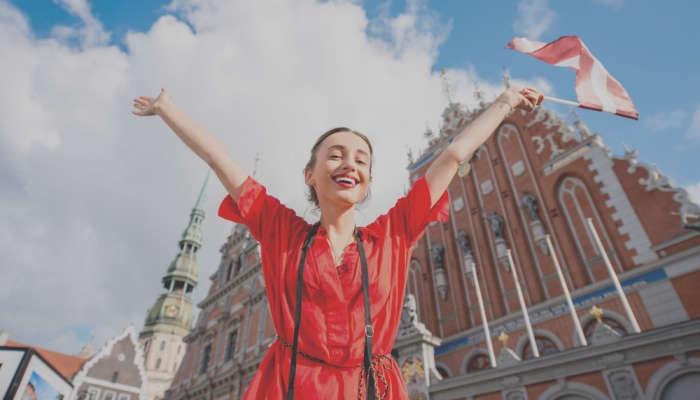 Descubre Letonia con una beca para este verano