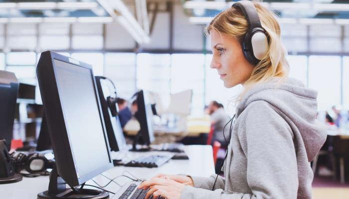 Ya están aquí las becas Google Women Techmakers para que haya más mujeres informáticas