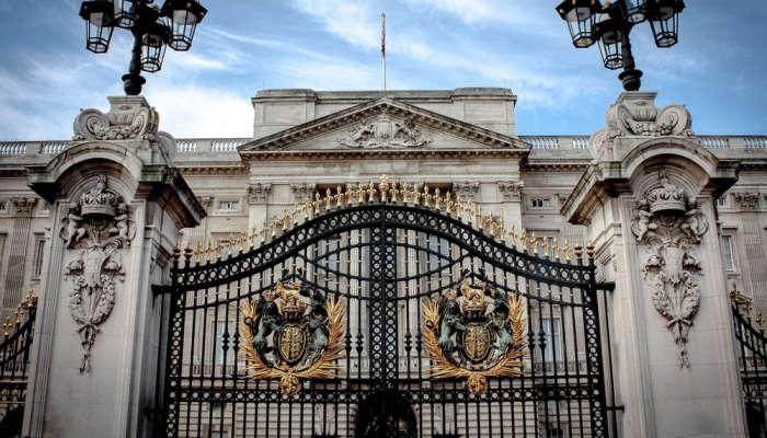 Desde mayordomo hasta analista IT: los trabajos que ofrece la Familia Real Británica