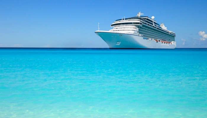Empleo a bordo: Todo lo que necesitas saber para trabajar en un crucero