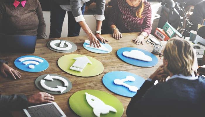Director de marketing, comunicación, showroom y otras salidas al estudiar Relaciones Públicas y Publicidad