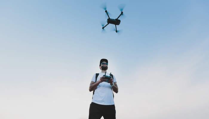 Curso de piloto profesional de drones: de moda a profesión
