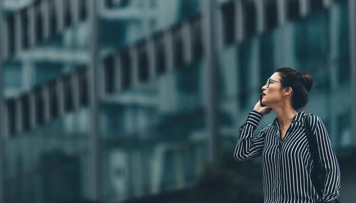 Adobe lanza 10 becas tecnológicas de 8.500 euros para mujeres