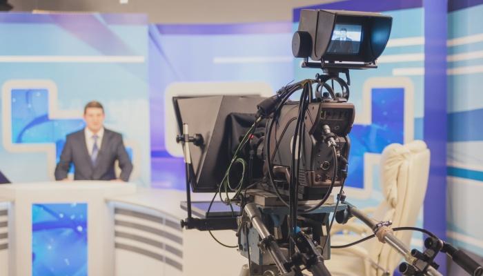 Cómo trabajar en TV o Radio: un máster para aprender de los mejores