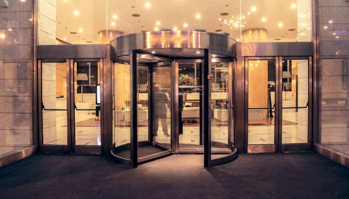 Cómo ser todo un experto en Gestión y Dirección de Hoteles y entrar por la puerta grande
