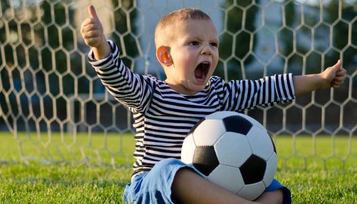Unos padres de Londres ofrecen 84.000 euros anuales para convertir a sus hijos en estrellas del fútbol