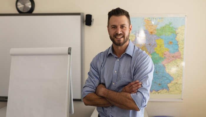 Dar clases de español sin salir de España: empleo para profesores ELE en universidades y centros de idiomas