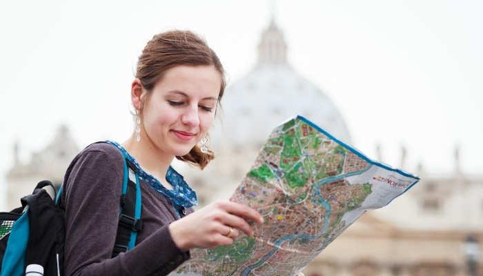 Se buscan maestros y profesores rumbo a Italia