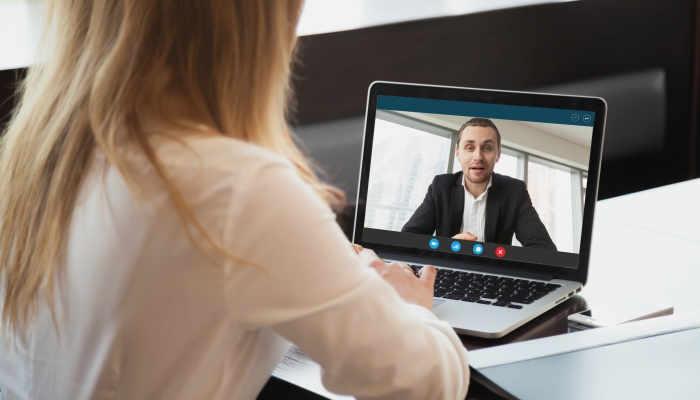 ¿Cómo sobrevivir a una entrevista de trabajo por videollamada?