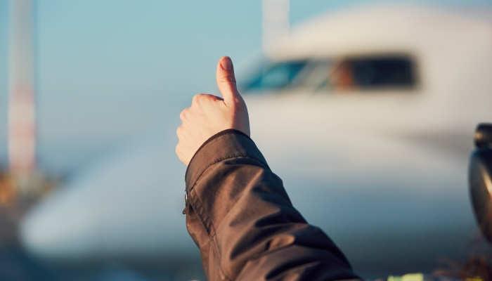 Tripulante de cabina y Técnico de operaciones aeroportuarias: profesiones para trabajar volando