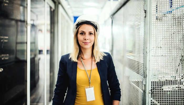 Mujeres STEM: becas y proyectos para dar un impulso femenino a las carreras técnicas