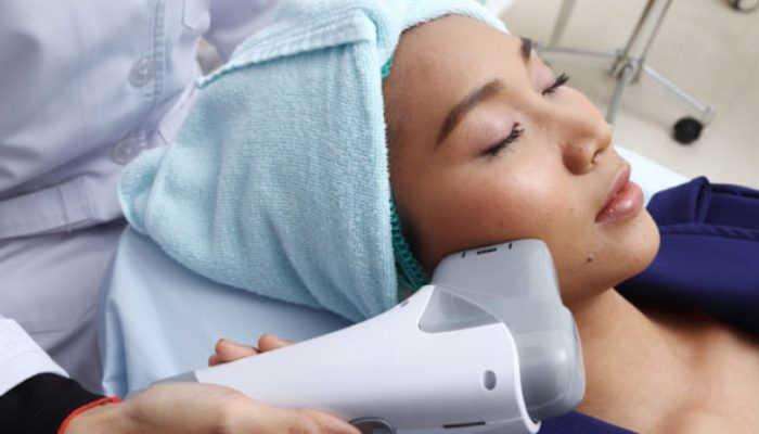Cómo trabajar en tratamiento facial con ultrasonidos: en qué consisten y quién puede trabajarlos