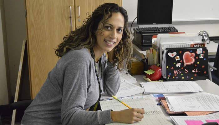 Cómo ser profesor de español: curso con becas para enseñar el idioma en todo el mundo