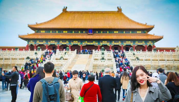 China quiere atraer talento internacional y convoca becas para estudiar en sus universidades