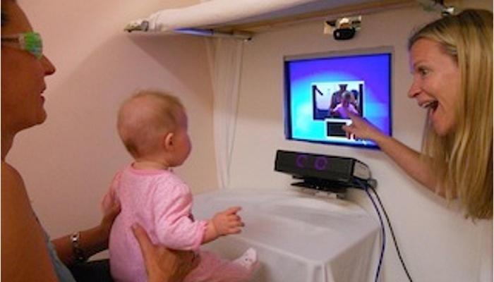 Los bebés acostumbrados al lenguaje de signos desarrollan una visión periférica altamente desarrollada