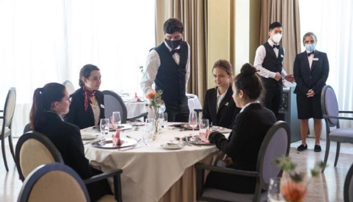 Les Roches Marbella ofrece cursos de verano para despertar vocaciones en hotelería