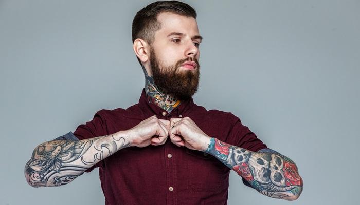 ¿Cómo influye tener tatuajes a la hora de buscar empleo?